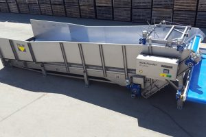 receiving hopper, vegetable bunker, bulk feeder, receiving of products, receiving bunker, reception line, reception hopper, reception bunker, peas receiving bunker, vegetable receiving hopper